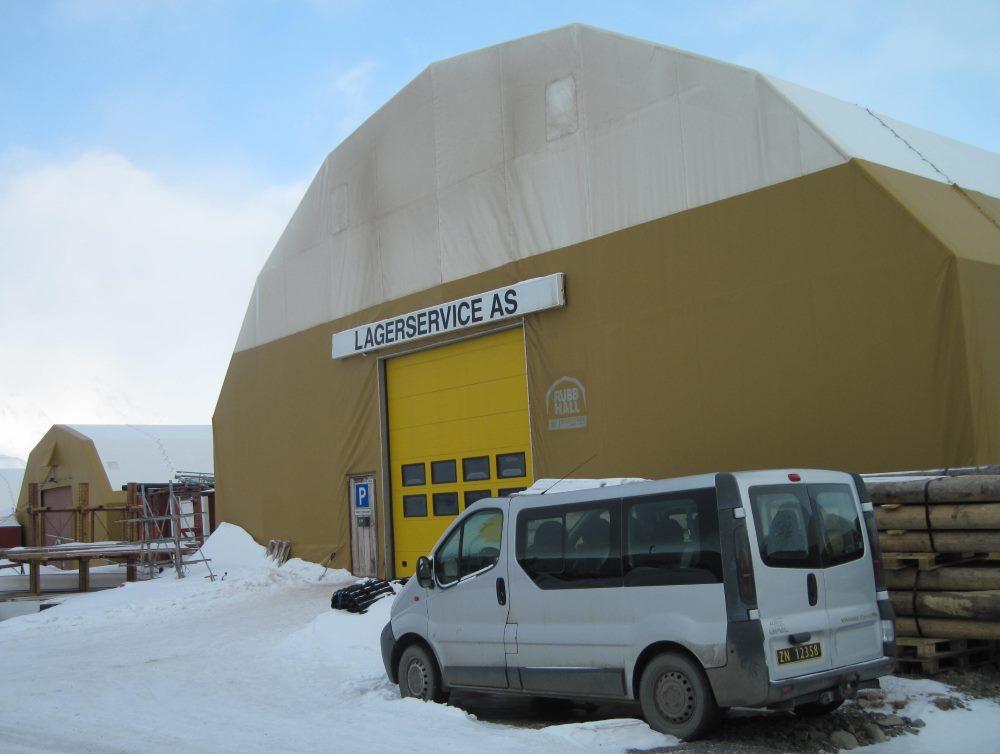 The hangar in Longyearbyen
