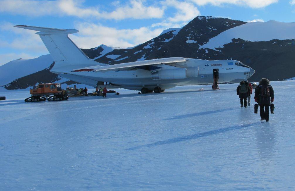 Ilyushin on ice runway