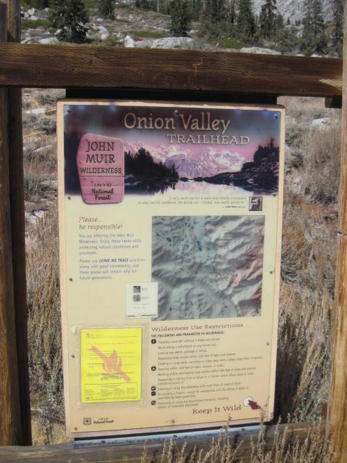 Sign at Kearsarge Pass Trailhead