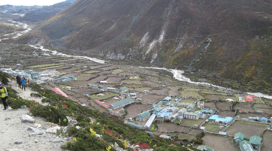 Climbing out of Dingboche